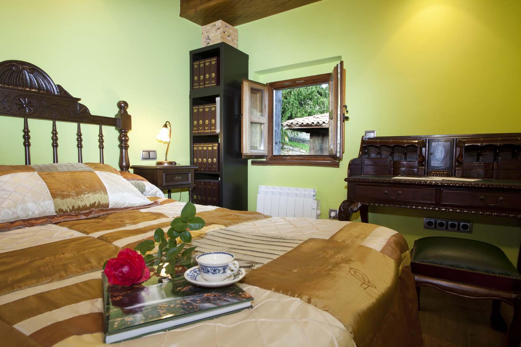 Dormitorio La casona de Riomera.
