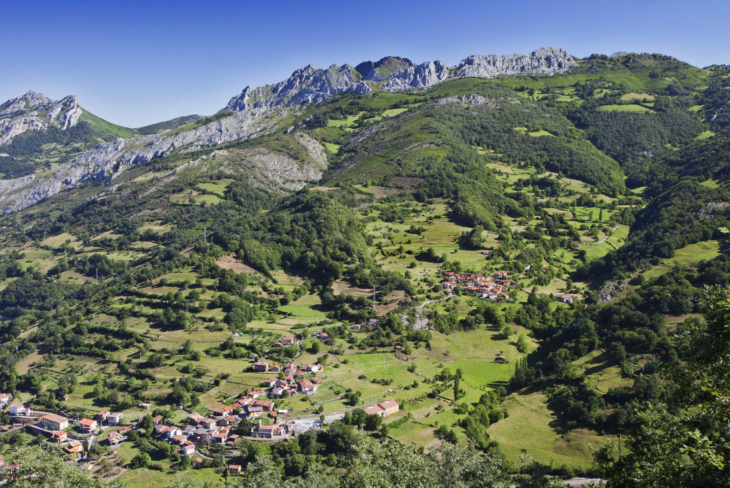 Satibáñez de La Fuente, Aller, Asturias.