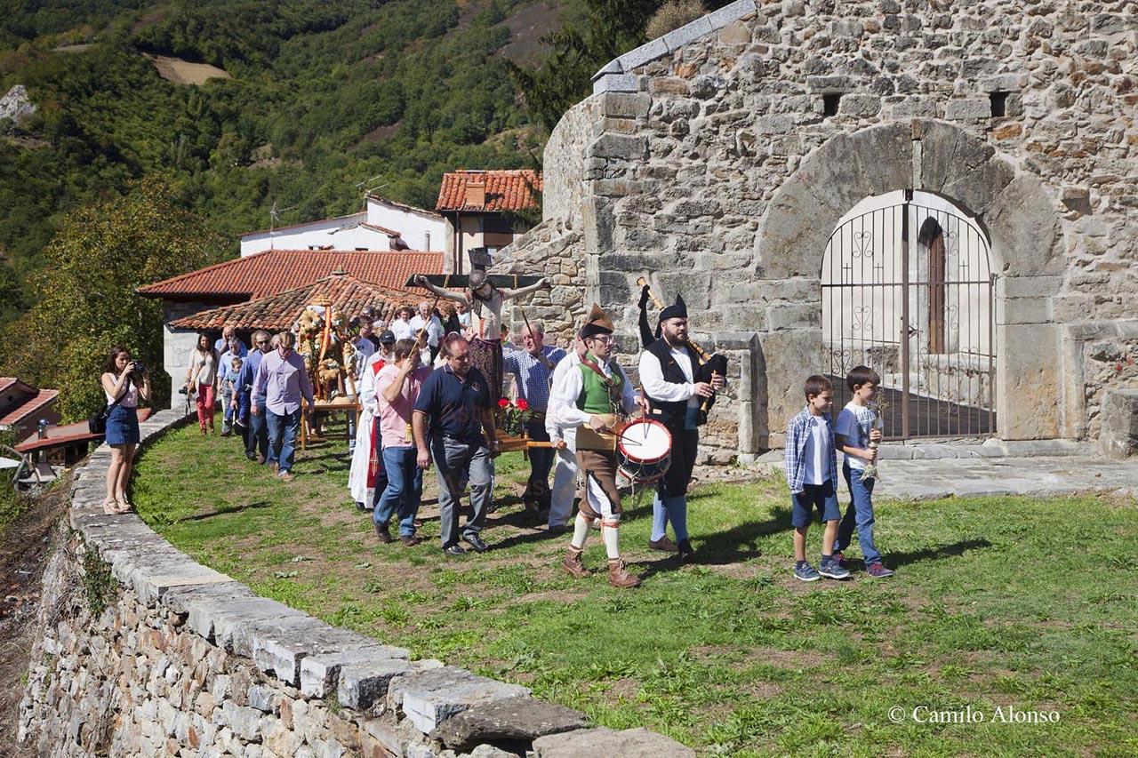 Procesión fiesta del Cristo, Santibáñez de La Fuente, Aller. Asturias.